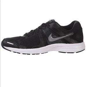 Brand new men's Nike Dart 10 shoes